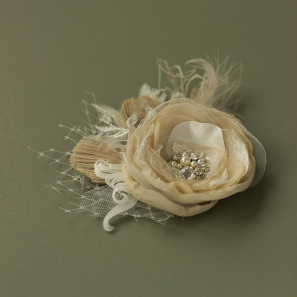 Champagne Wedding headpiece, Bridal hair flower, Romantic Rustic bridal hair flower fascinator