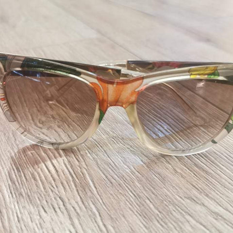 GUCCI Sunglasses with Floral Frame