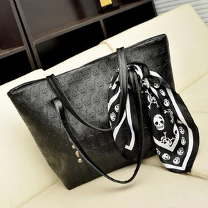 Skull Printed Shoulder Bag