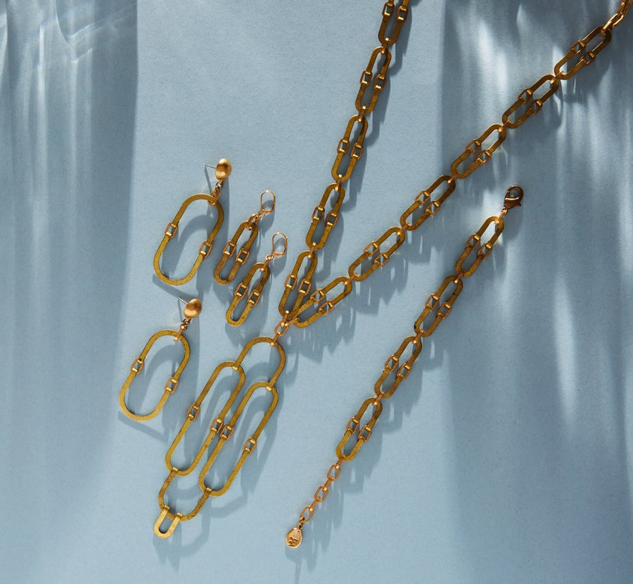 Splendour Series by MoonRox is a jewellery collection made with vintage brass curvilinear forms linked together.