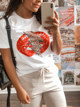 Load image into Gallery viewer, LIGHTNING LIPS TEE