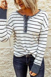 New hot-selling round neck striped long sleeve stitching T-shirt