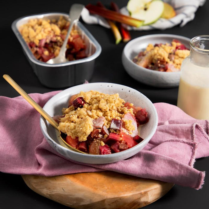 FARRO KITCHEN APPLE AND RHUBARB CRUMBLE 800G