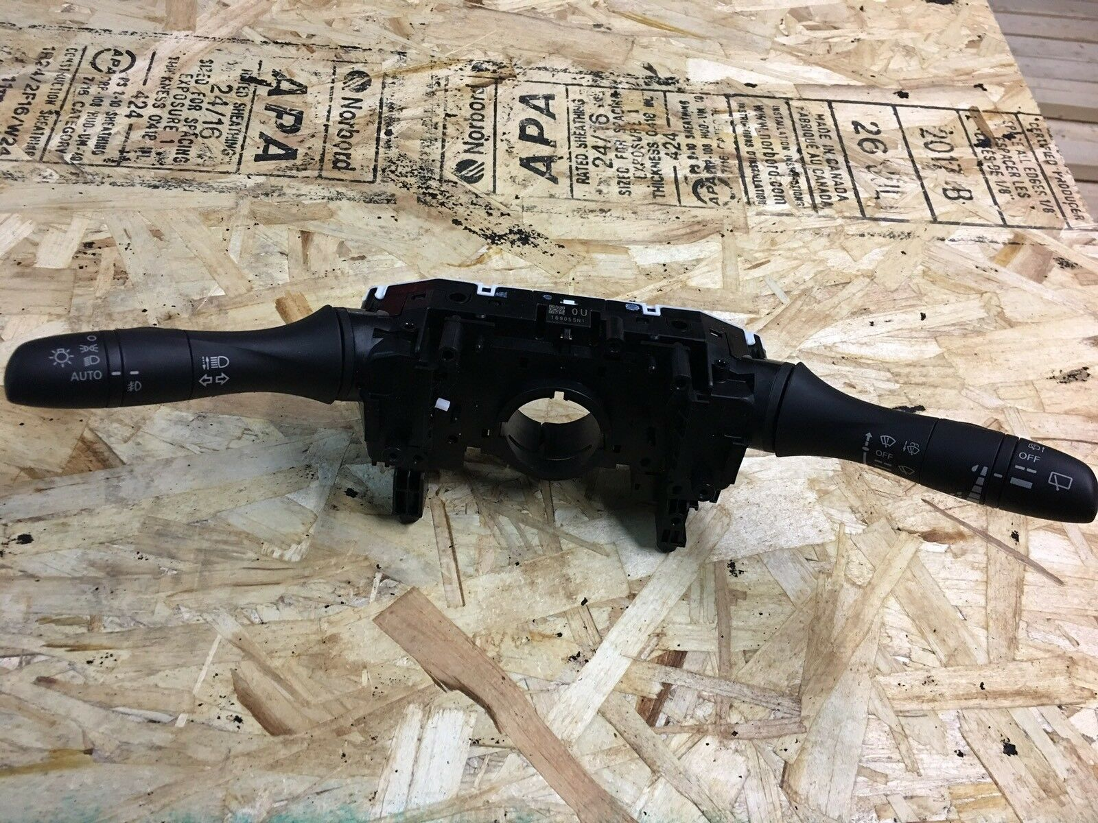 Nissan Rogue Wiper Arm Lever With Light Control And Signal   Fits 2017 OEM
