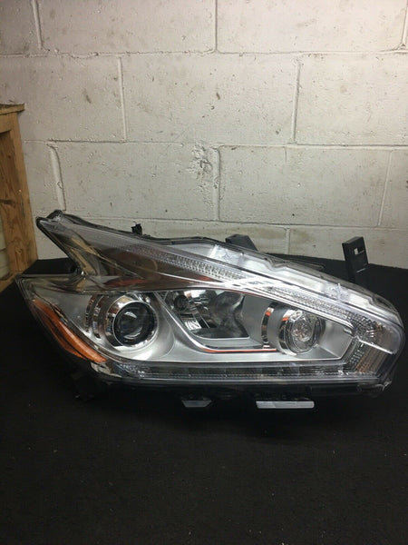 NISSAN MURANO 15-18 Right Passenger Side Halogen LED Headlight 26010-5AA1E OEM
