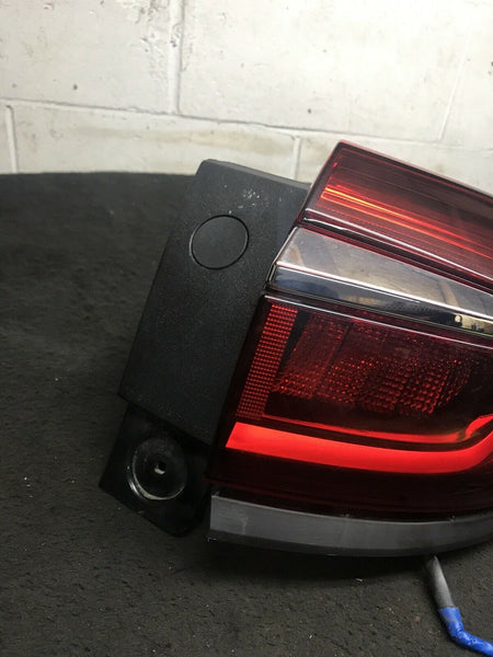 BUICK ENCLAVE GMC 2018-2019 Right RH Passenger Side Tail Light 84267931 OEM