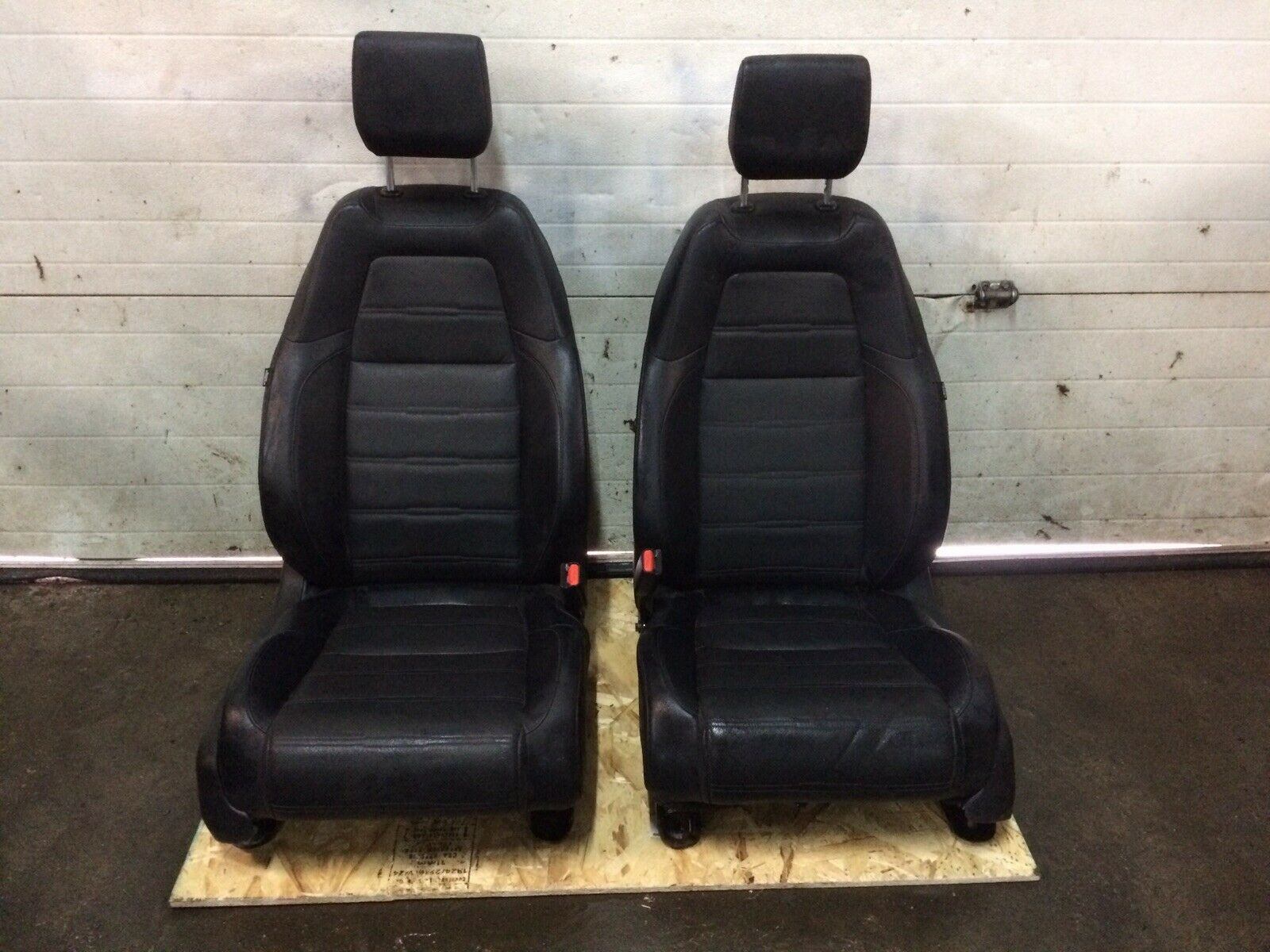 Honda CRV Leather Black Front Driver Passenger OEM Seats Fits 2017-2018
