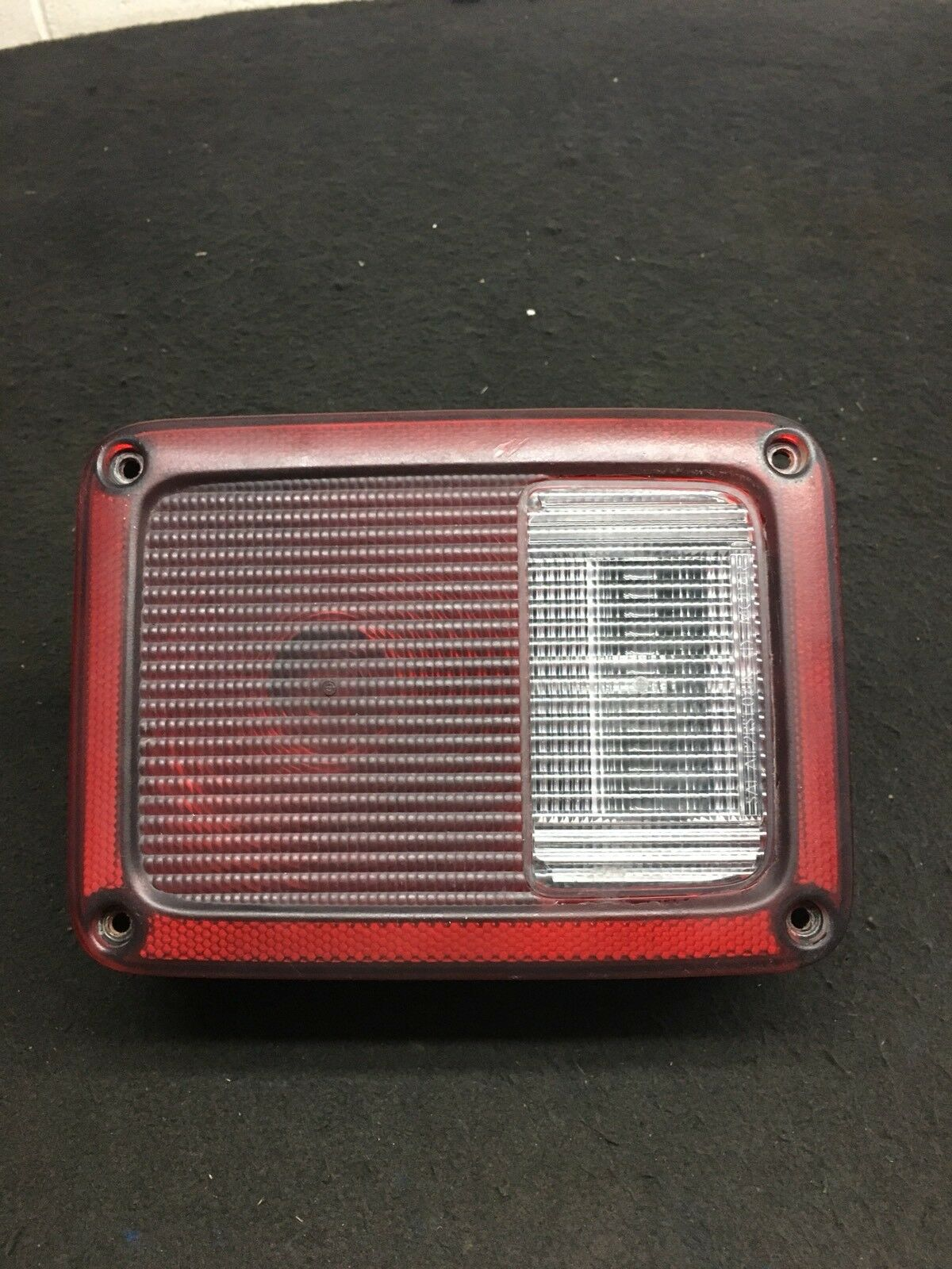 JEEP WRANGLER SAHARA 2014 Tail light Left Side Fit 2007 2014