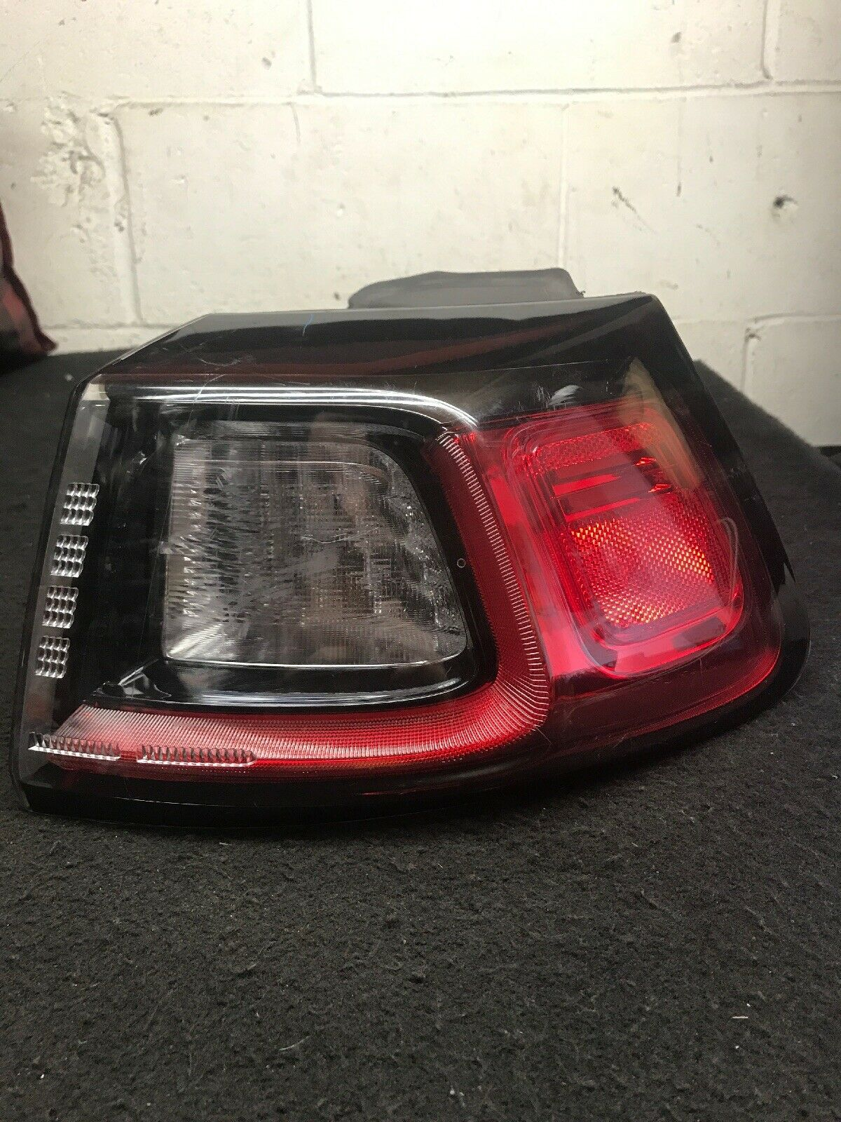 Jeep Cherokee OEM Passenger Right Tail Lamp Fits 2019