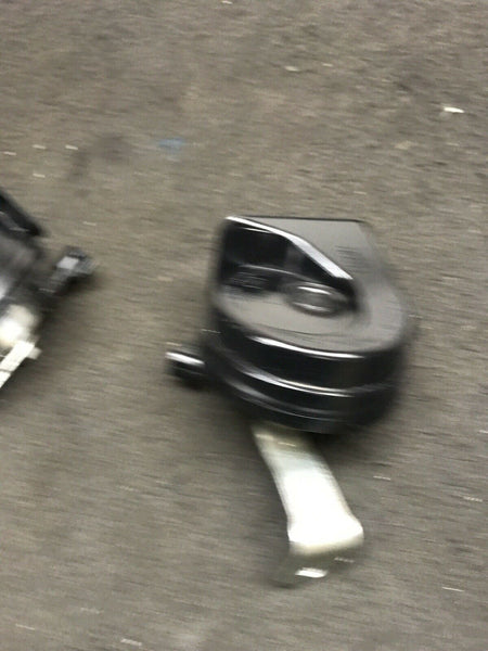 BUICK ENCLAVE GM V6 2018 High & Low Horn Signal Assembly 7042-AM80SX A046495 OEM