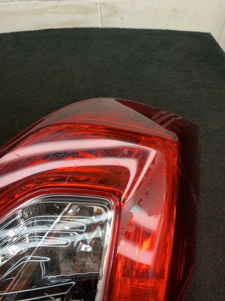 HONDA CIVIC TOURING 2016-2019 Left Driver Side Taillight UE05FZTBAAAO BROKEN OEM