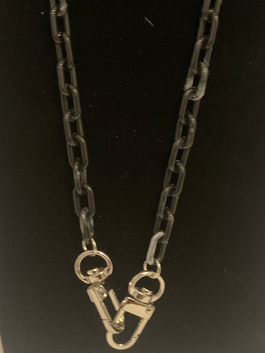 Black mask chain