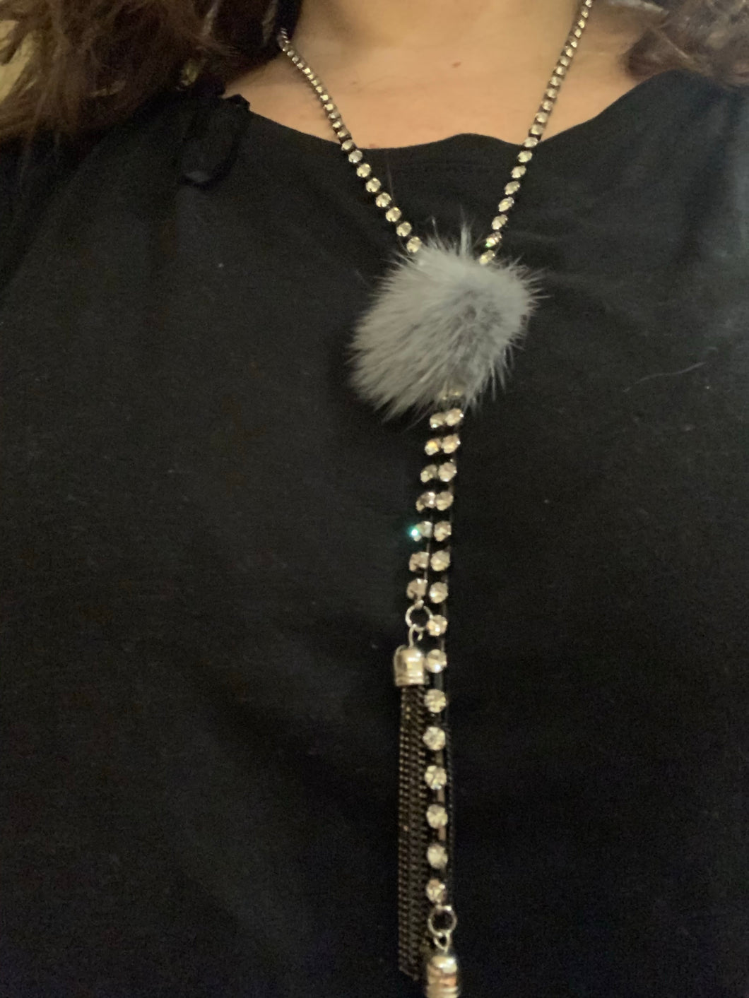 Chic fur necklace with Rhinestones