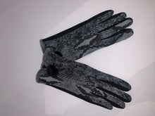 Load image into Gallery viewer, Touch Screen Gloves