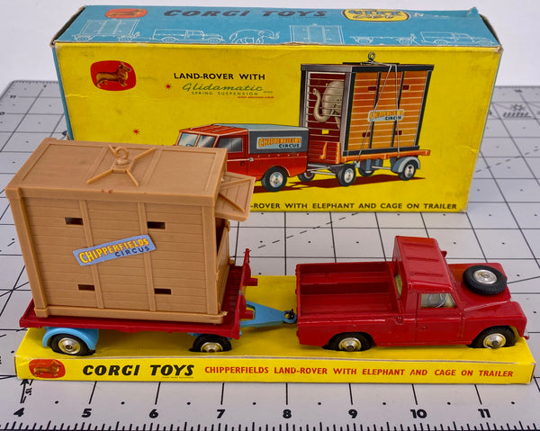 Boxed Corgi Gift Set 19 Chipperfield Land Rover with Trailer and Caged Elephant