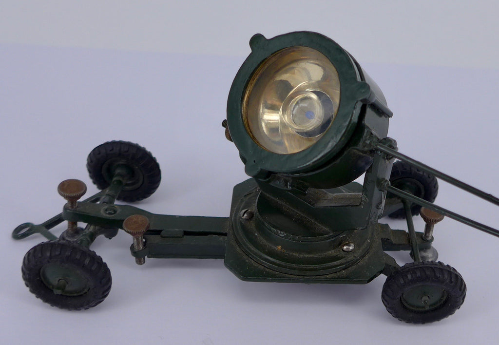 Britains 1718 Searchlight on mobile chassis