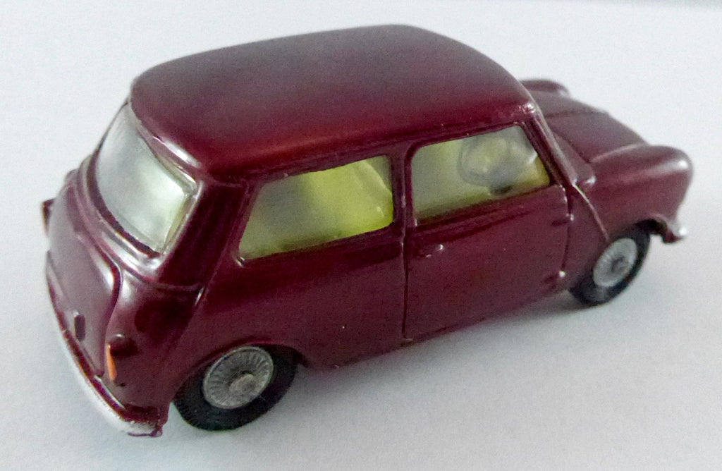 Boxed Corgi 226 Morris Minor Mini
