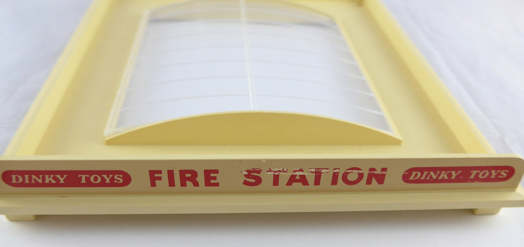 Original Boxed Dinky 954 Self Assembly Fire Station
