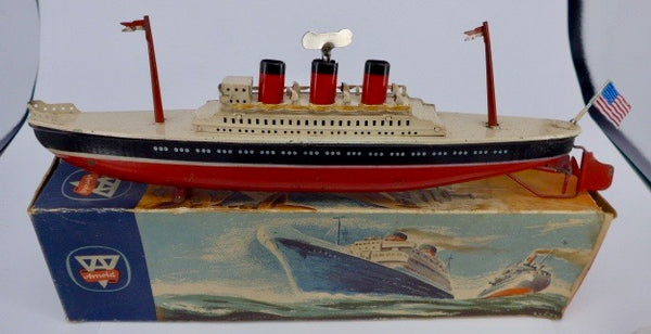 Boxed Arnold tinplate clockwork ocean liner