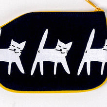 Load image into Gallery viewer, Cat Crossing Coin Purse