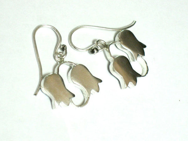 Silver Flower Dangle Earrings.