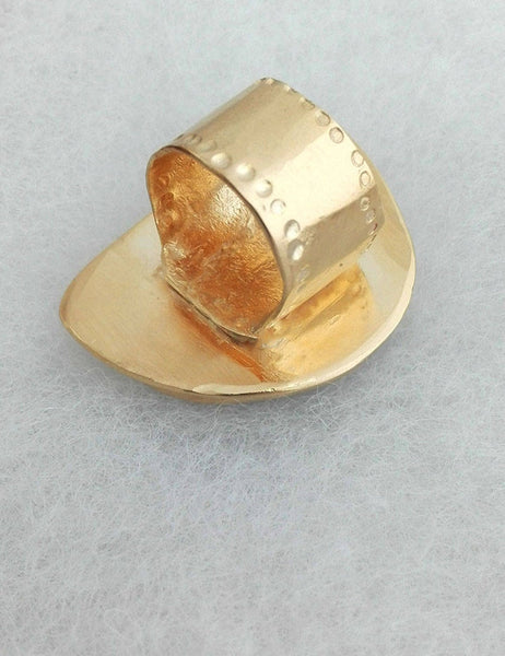 Natural Large Opal Gold Ring.