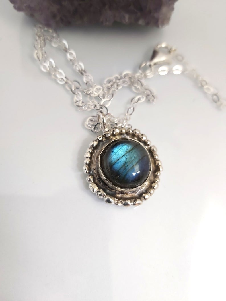 Chain Necklace with Round Labradorite Pendant