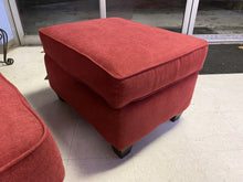 Load image into Gallery viewer, Natte Lipstick NEW Ottoman 31x23x20