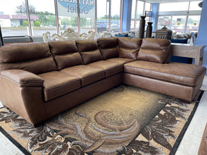 Wesley Saddle New 2pc Sectional 108x90x25 (6010/6020)