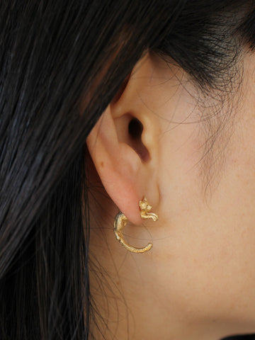 Cat Through Earring (gold)