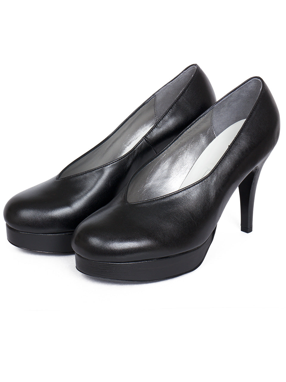 D.pumps (black)
