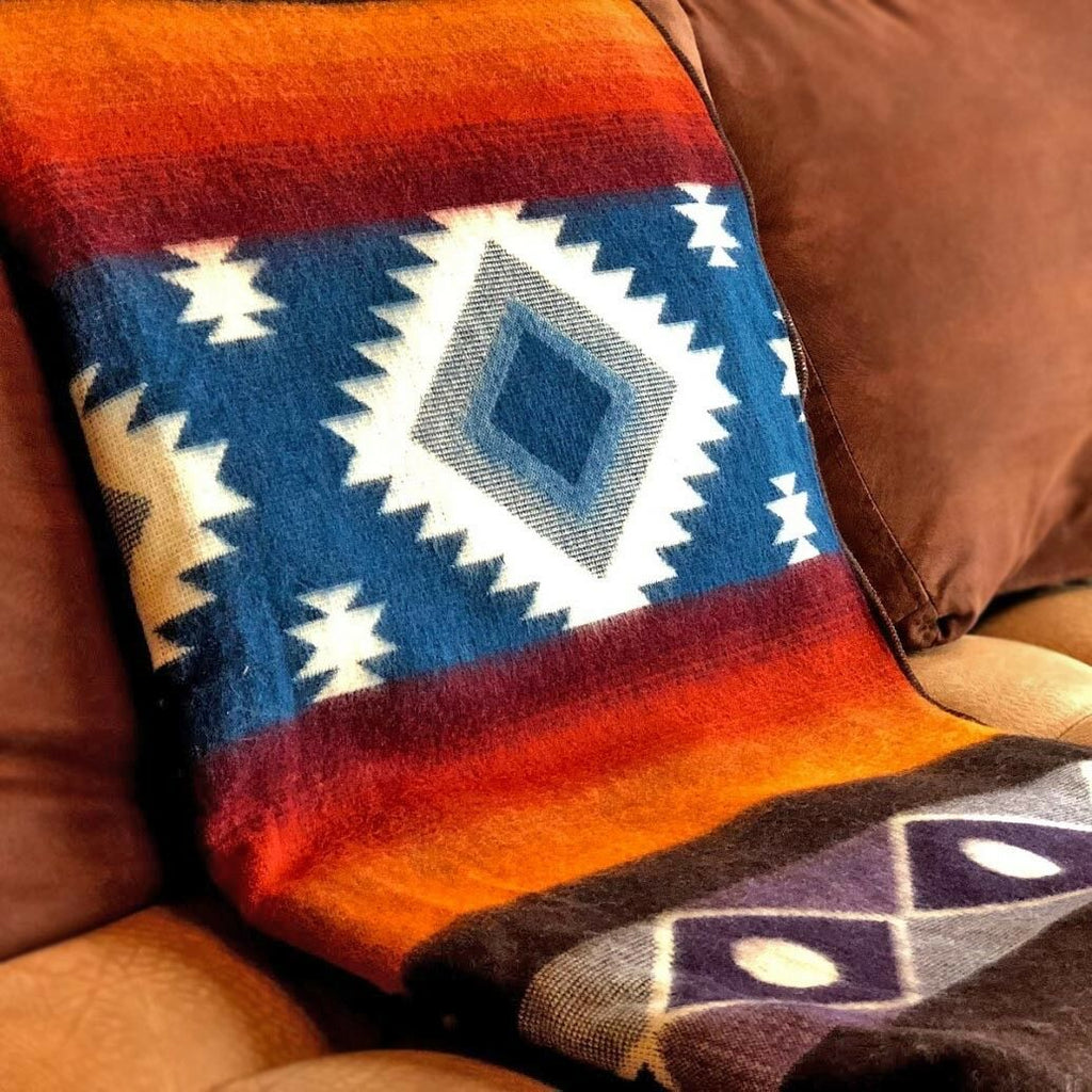 "Soft & Warm Baby Alpaca Wool Blanket - Extra Large 75"" x 90"" / 195 x 230 cm - Aztec Southwest Pattern"