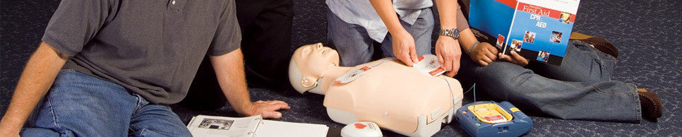 Emergency First Response training courses focus on building confidence in lay rescuers and increasing their willingness to respond when faced with a medical emergency.