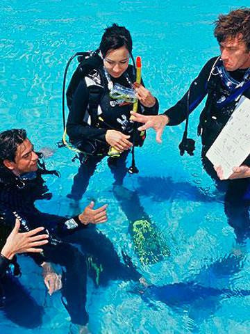 If you are looking to refresh your in-water scuba diving skills, then this Refresher program offered by Adrenalised Diving in Cape Town might just be what you are looking for!!
