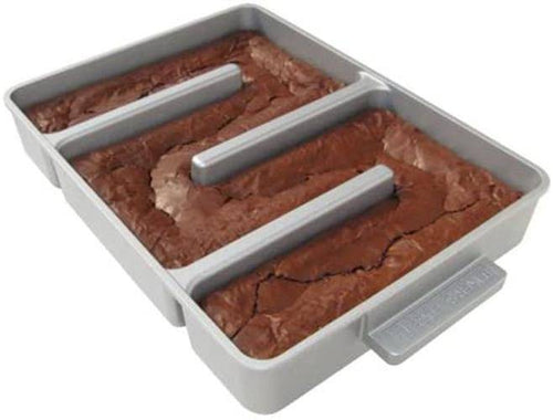 Baker's Edge Nonstick Edge Brownie Pan -