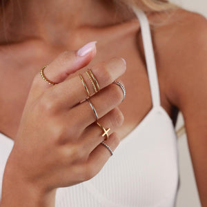 Memoire Cross Ring - Yellow Gold Plated