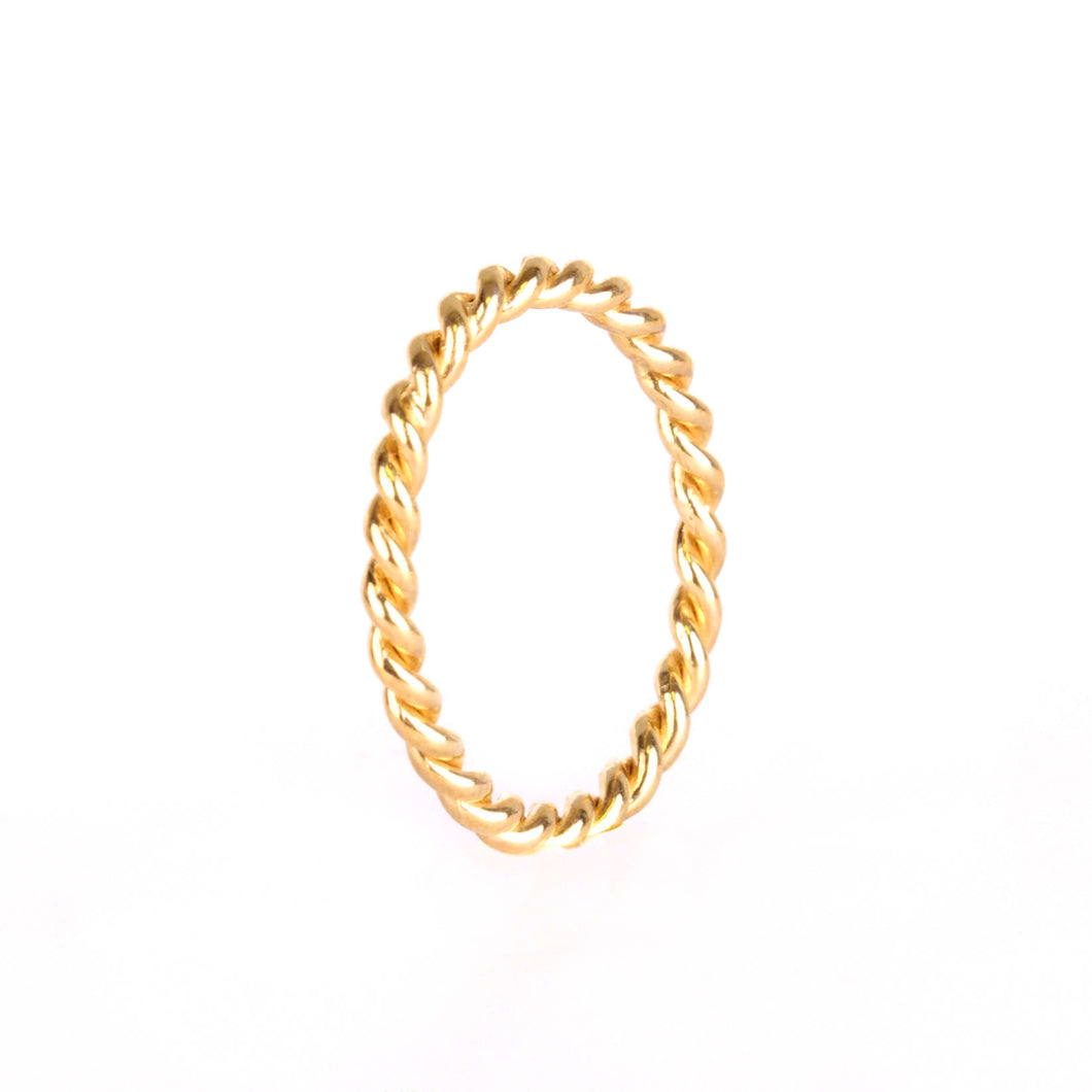 <transcy>Memoire Twisted Ring - Gelbgold plattiert</transcy>