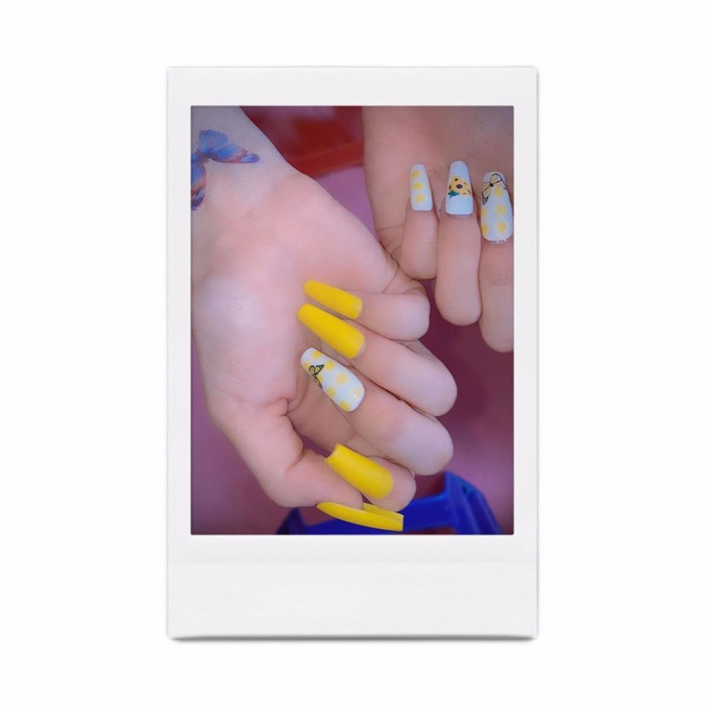 BLACKPINK Rose Yellow Sunflower Ice Cream MV Nails