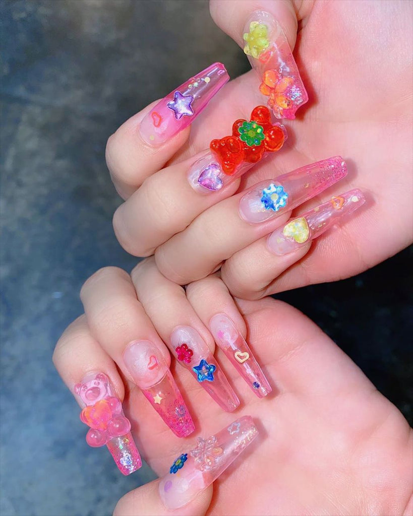 BLACKPINK Lisa Gummy Bear Ice Cream Nails