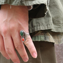 画像をギャラリービューアに読み込む, VINTAGE NAVAJO STERLING SILVER TURQUOISE AND RED CORAL RING - A'r139 Kamakura