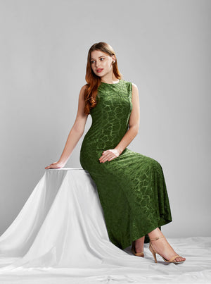 A great way to board winter fashion game is trying on hands at long maxi dresses. To take fashion to outstanding level pair up high heels, hoop earrings and statement style bag. If you are heading out for parties and have bold spirit to team on something