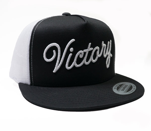 VCTY VICTORY SCRIPT TRUCKER HAT - #White/Black