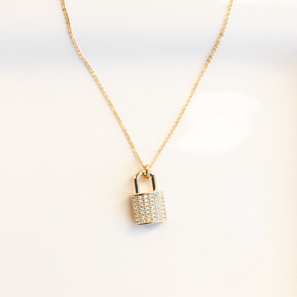 London Lock Necklace-Wholesale-Gold-Pretty-Simple