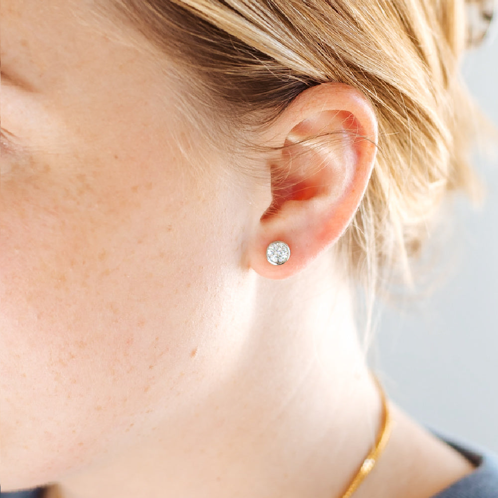 Samantha Simple Stud Earrings