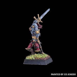 51-0508:  Chaos Acolyte with Greatsword, Overhead