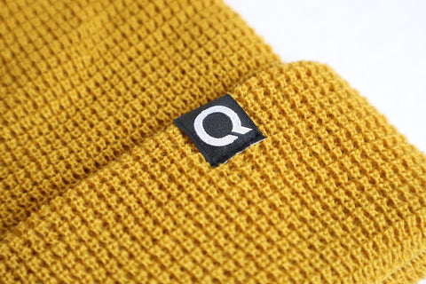 The Q Waffle Beanie w/blk woven tag
