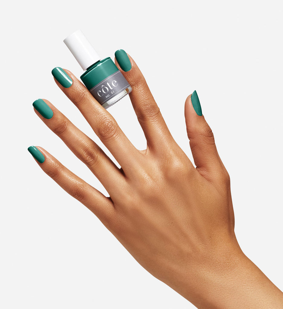 Côte No. 64 emerald green cream nail polish