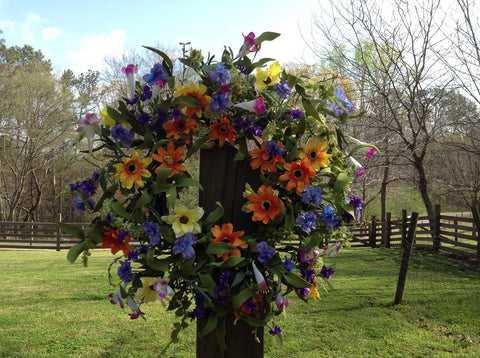 "Spring Delight Wreath - 22"" - 5"