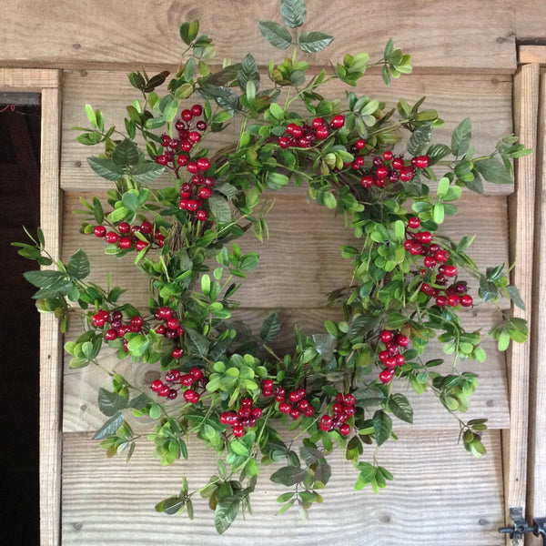 Red Berry Holly Wreath - 24""