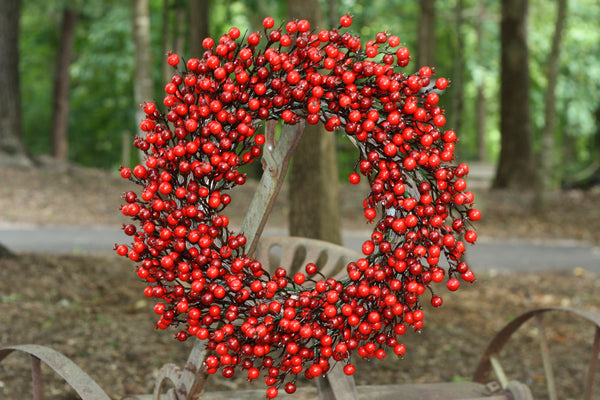 "22"" Festive Red Berry Wreath - 6"